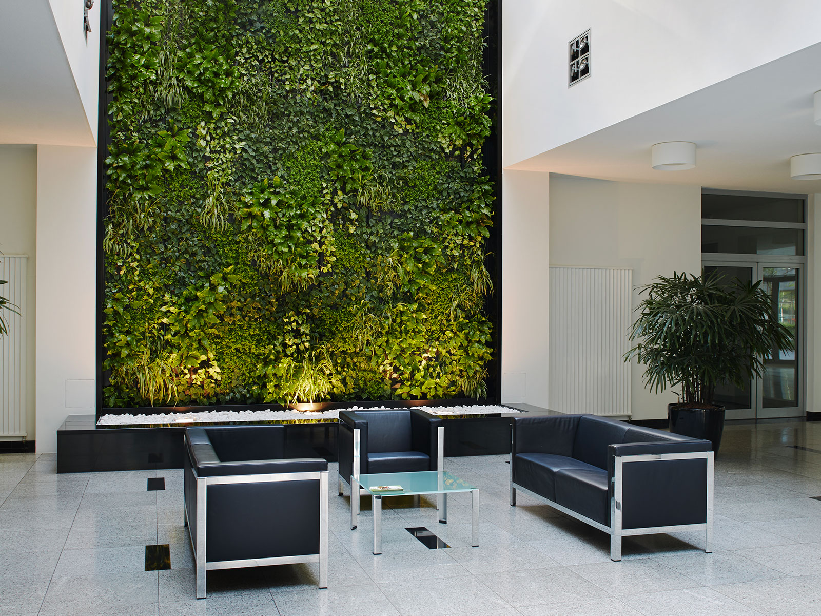 atrium der axa gmbh co kg frankfurt hydroflora gmbh. Black Bedroom Furniture Sets. Home Design Ideas